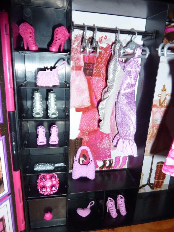 MATTEL - Barbie Fashionistas - dressing de rêve