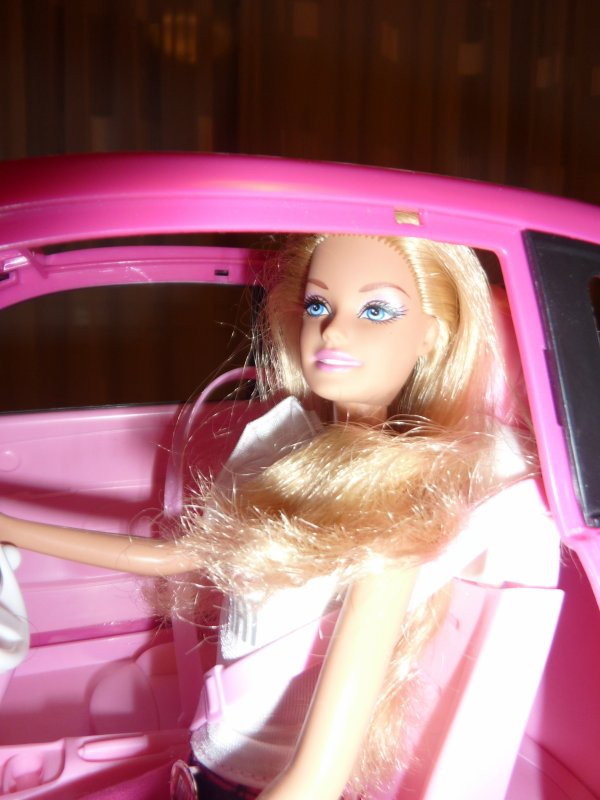 MATTEL - Barbie et Fiat 500 rose