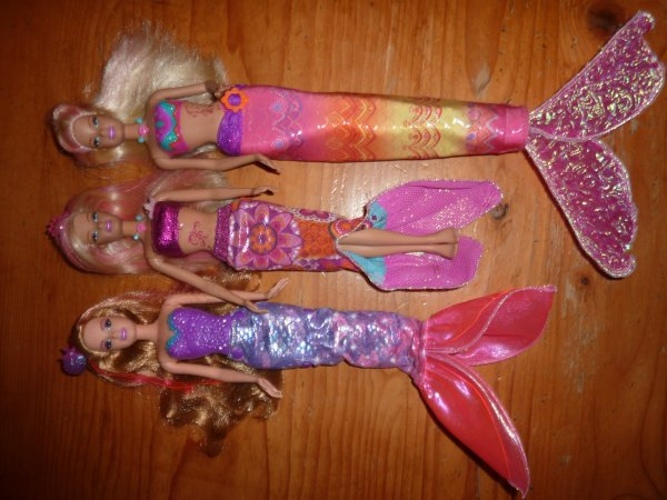 MATTEL - Barbie Merliah, surfeuse, sirène...