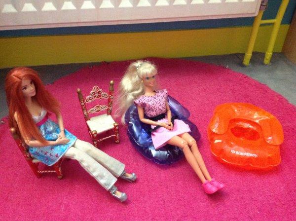 Voici les mannequins dans leur fauteuils