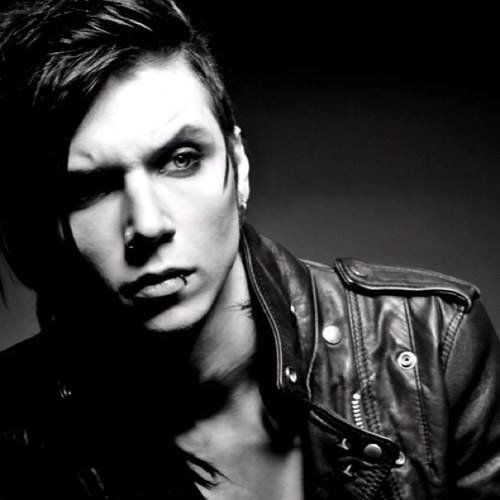 Andy Biersack, the universal god *____*