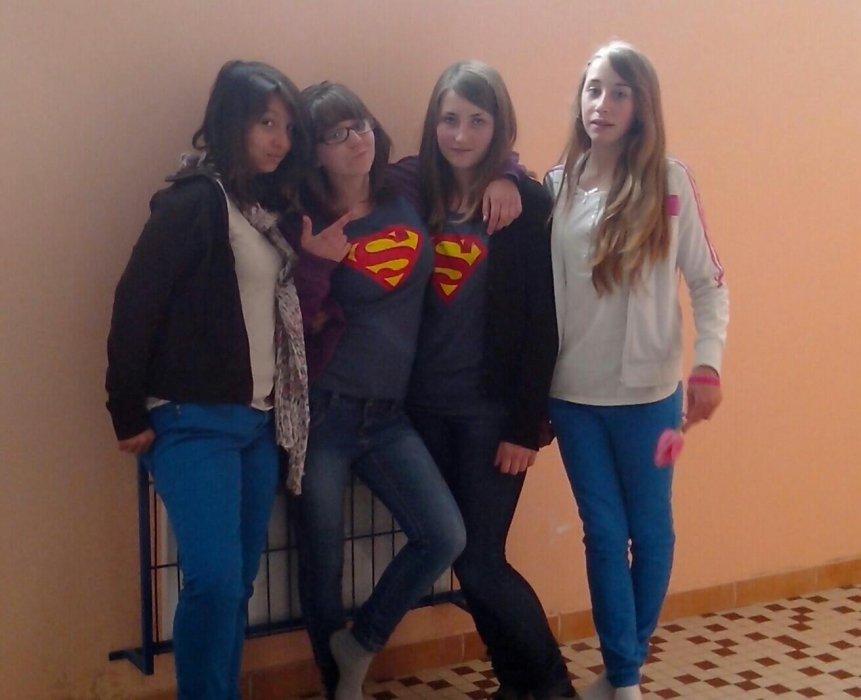 Nous quatre****