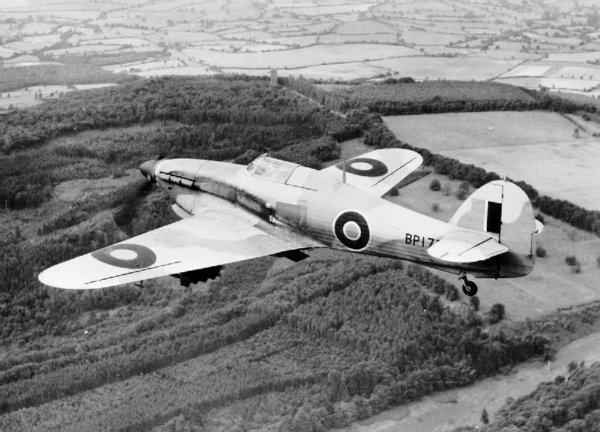Dynamo...Aviation au dessus de Dunkerque..Le Hurricane.....