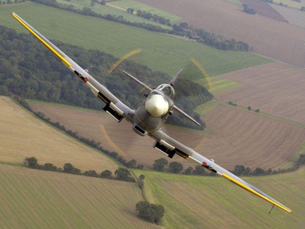 Dynamo..l' aviation Anglaise dans le ciel de Dunkerque en 1940... Dunkerque..Le  Spitfire...