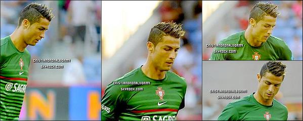 """14/08/13 : Le Portugal a affronté les Pays-Bas et c'est un match nul avec 1-1 partout ! Avant le début du match , Cris a remporté le Various Awards aux côté de Danny et Joao. Cris a égalisé (87') et """"sauve"""" le Portugal."""