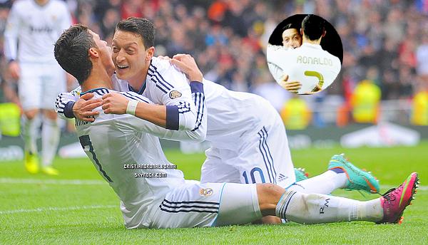 03/09/13 : Cristiano était, au côté de Fabio Coentrao, a pratiqué un entraînement spécifique suite au match de vendredi : Portugal / Irlande du Nord . ●● C'est officiel , Ozil a signé à l'Arsenal pour un montant de 50 millions d'euros . Le Real vient de perdre l'un des ses meilleurs joueurs , qu'en pensez-vous  ?