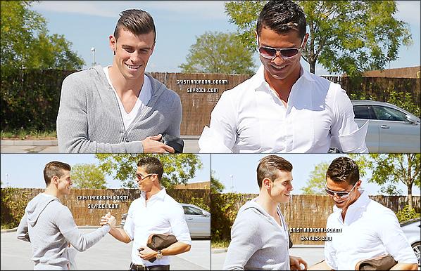 11/09/13 : Cristiano a rencontré pour la première fois le nouveau joueur du Real Madrid : Gareth Bale lors du premier entraînement de ce dernier .