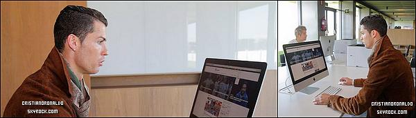 - Cristiano a annoncé l'ouverture de son site internet : www.cristianoronaldo.com -