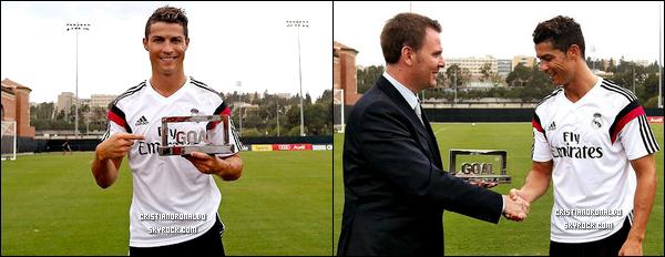 - 27/07/14 : Bye Bye les vacances ! Cristiano a repris l'entraînement avec le Real Madrid à l' UCLA, Los Angeles  Cristiano a pris le temps de signer des autographes et a aussi été désigné meilleur joueur de la saison 2013/2014 par le trophée Goal 50  -