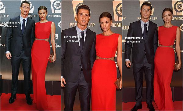 - 27/10/14 : Cristiano élu meilleur joueur, meilleur attaquant et auteur du plus beau but de la Liga 2013-2014   A l'occasion d'une soirée de gala, Cristiano, en compagnie d'Irina Shayk a reçu trois prix récompensant ses performances en Liga la saison passée -
