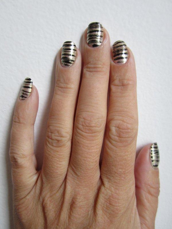 Nail art tigré