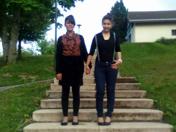mes petite soeur cherie que j aime maintenant qu il y a plus ma mere ses comme mes fille