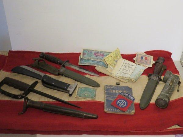 Couteau de combat  US  et carte d'évasion...
