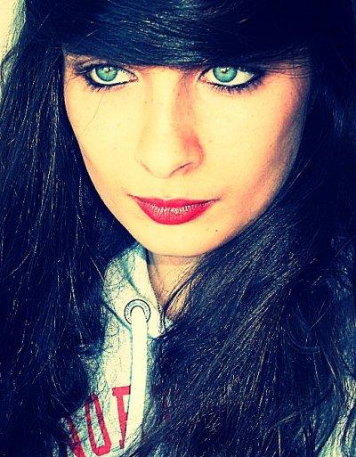 --->  Mamzell-Oceane24  <---  Ocey'   Allias   Bouffone  ; )