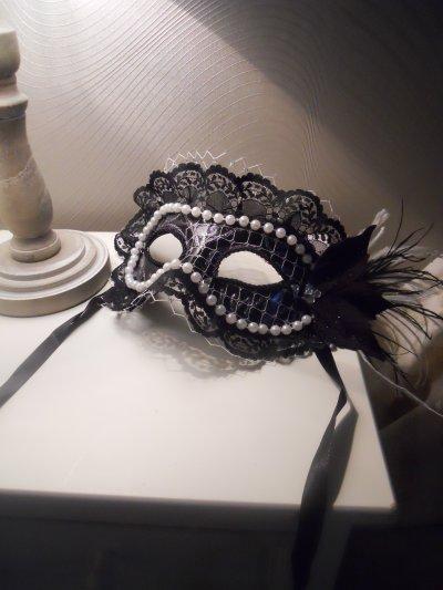 Mon Masque & celui de mon amie pour le concert que j'ai customisé  ^^