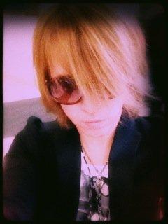 Photo de Kamijo qui vient de posté sur son twitter <3