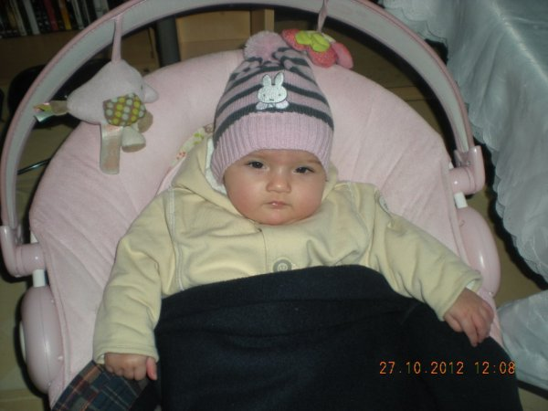 ma fille avec son bonnet