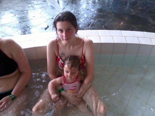 ma puce et moi a la piscine