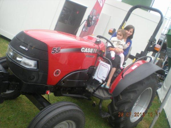 moi et ma puce sur un tracteur
