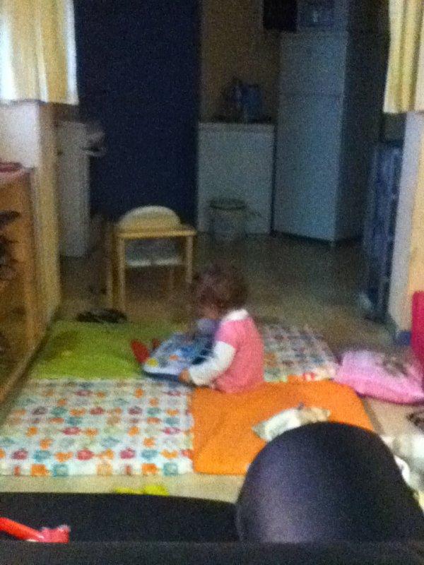 ma puce ki joue avec son piano