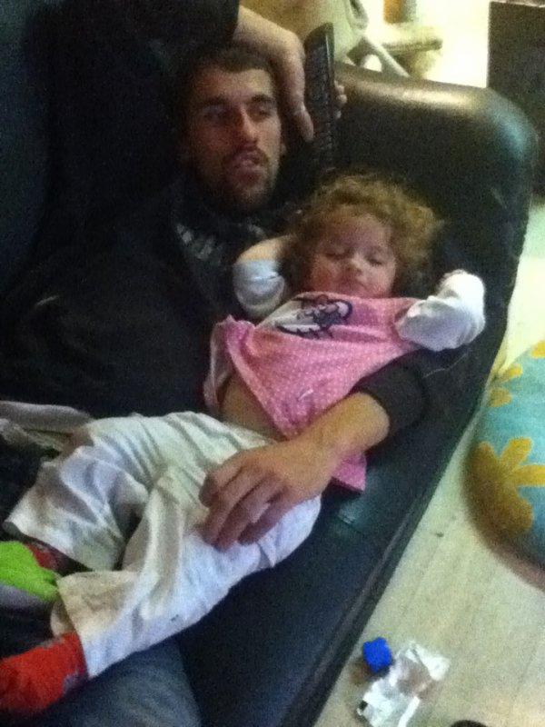 ma fille ki dort pres de papa