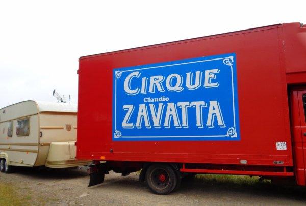 REPORTAGE SUR LE CIRQUE CLAUDIO ZAVATTA AUX SABLES D'OLONNE ... LES HABITATIONS