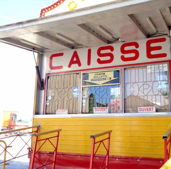 REPORTAGE SUR LE CIRQUE PINDER AUX SABLES D'OLONNE EN 2016... LA CAISSE (1)
