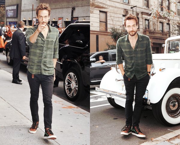 • • • Tom Mison et John Noble visitaient le FOX's Sleepy Hollow-een • • • 28 Octobre 2014