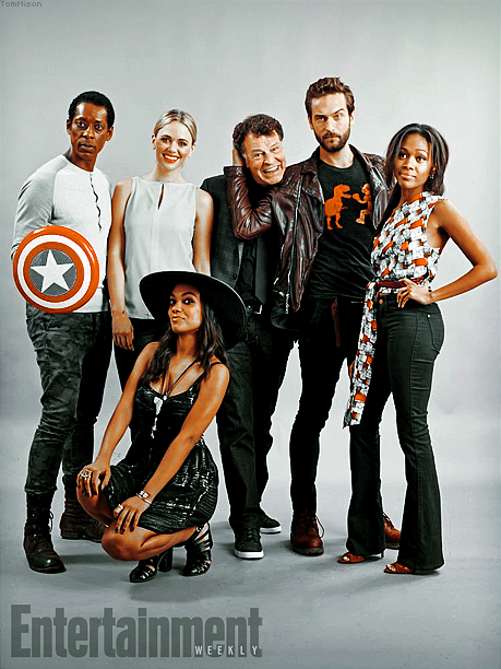 • • • Tom et le reste du cast de Sleepy Hollow posent pour le magasine Entertainment Weekly • • • 25 Juillet 2014
