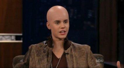 Justin Bieber crâne rasé comme Britney Spears ?