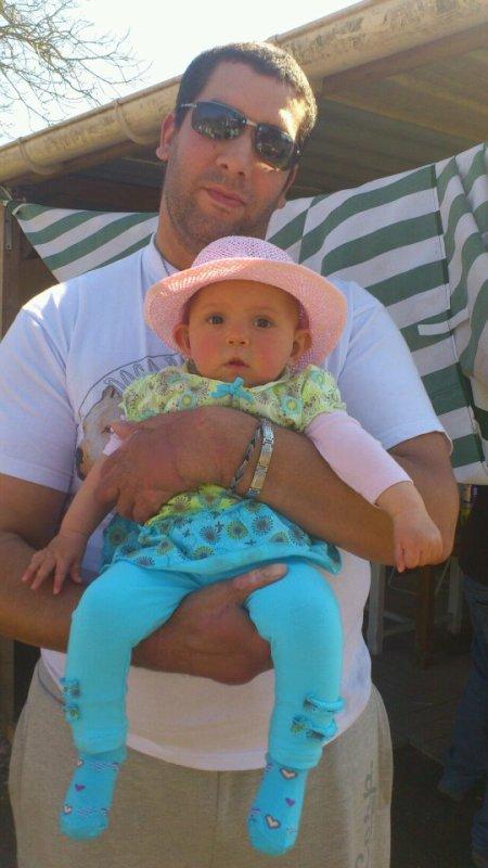 bb crapoutte et papa en mode jardin 2012