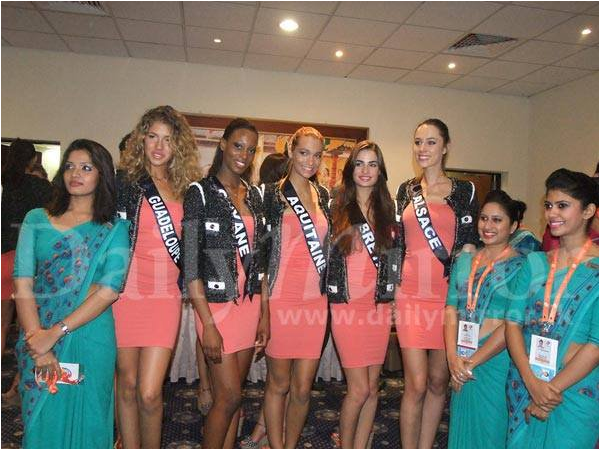 2013/11/16: Arrivée des Miss au Sri Lanka