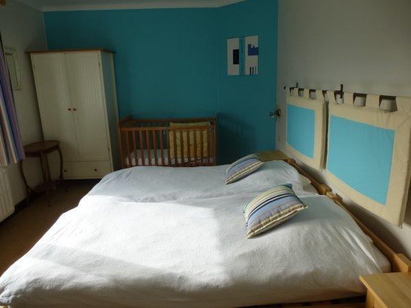 La chambre bleue pour 3 personnes au premier etage
