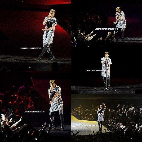 . ♦ 5 Mars 2013 ~ Jaden Smith était au Believe Tour de Londres pour accompagné Justin Bieber sur leur fameux tubes never say never . .