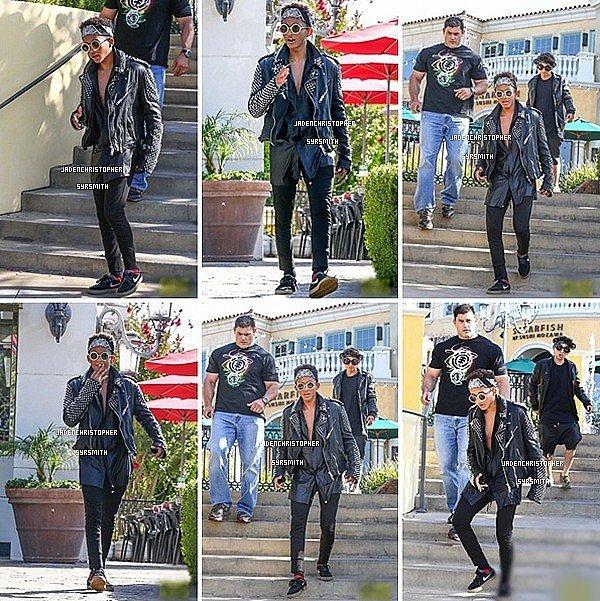 . ♦ 12/ 07/ 13 : Jaden Smith dans sa tenue très rockeur ainsi que ses amis Moises et Mateo ont étaient aperçus quittant le restaurant Sugarfish Sushis dans la matinée. De plus dans la même journée Jaden s'est rendu dans une bibliothèque est en a profiter pour prendre des photos avec ses fans. .