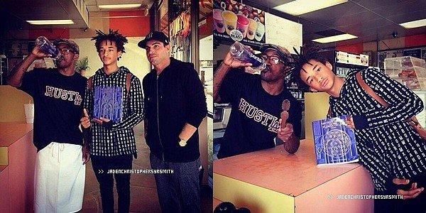 .  13/ 03/ 14 - Jaden Smith a été aperçu avec ses amis, ainsi que Kendall et Kylie Jenner à Calabasas. .