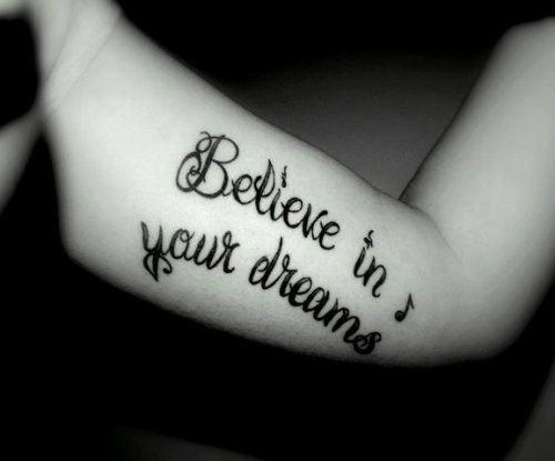 """""""Fais de ta vie un rêve, et d'un rêve, une réalité"""""""