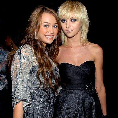 Taylor appelle Miley cyrus « Bubblegum shit », que l'on peut traduire par « guimauve de merde »