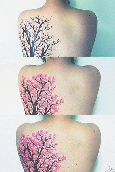 Première série : Japanese tatoo, Sakura. (Cerisiers Japonnais. )