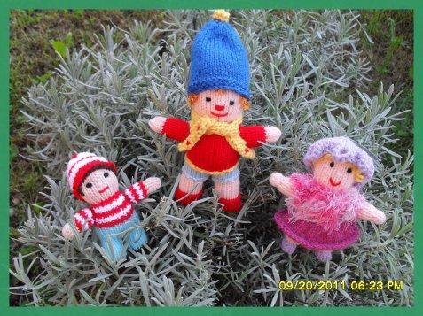 Petites poupées et un petit oui oui