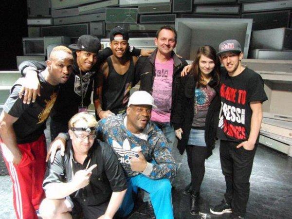 Une autre partie de l'équipe de Blaze The Show !