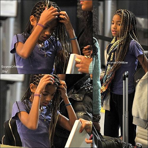 .. La famille Smith apercue a l'aéroport de LAX Samedi dernier mais aucune autre nouvelle pour l'instant Le look de Willow et tres joli tu trouve pas ? ..
