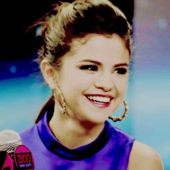 Suis toute l'actualité de Selena Marie Gomez !