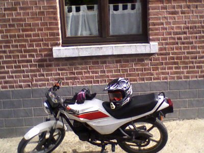 voila ma moto une kawasaki