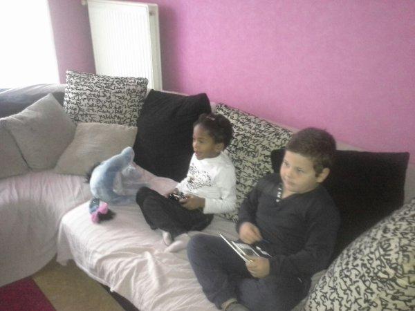 Schayna et kelyane en mode playstation