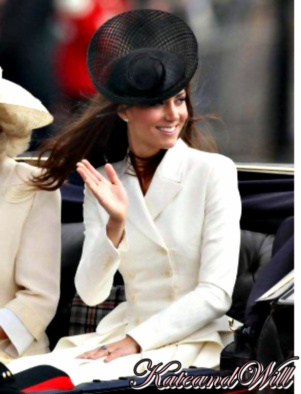 Parade pour l'anniversaire de la reine Elizabeth II
