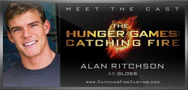 Alan Ritchson pour Gloss!