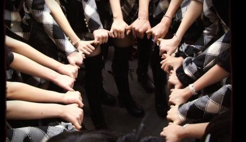 """AKB48 - One Shot 1 - """"Amitié Inébranlable."""""""