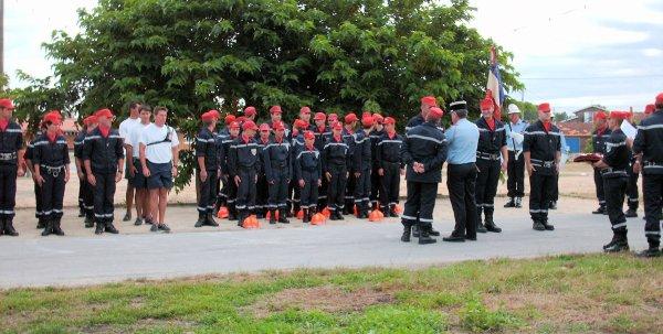 Défilé des Sapeurs pompiers du Bassin d'Arcachon zone sud et Cérémonie du 14 juillet 2009 à la Teste de Buch (1ere partie)
