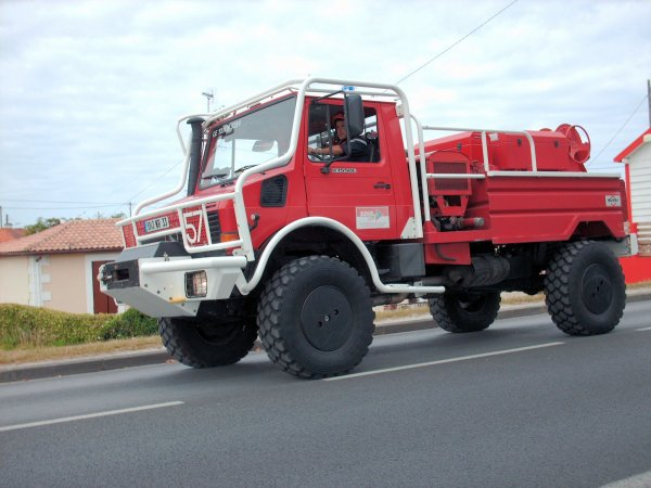 Défilé des Sapeurs pompiers du Bassin d'Arcachon zone sud et Cérémonie du 14 juillet 2009 à la Teste de Buch (3 eme partie)